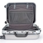 executive-travel-assistant-luggage-the-compressor